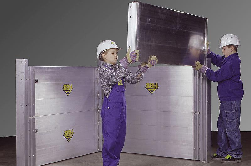 Алюминиевые щитовые крепи настолько легки, что даже дети легко могут установить элементы камеры SBH серии С-250
