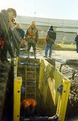 Использование камеры С-300 при ремонте водопроводной сети в г. Москве. 4-й район Мосводоканала 1998 год.