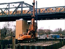 Шпунт Ларсена типа Омега при строительстве опоры моста